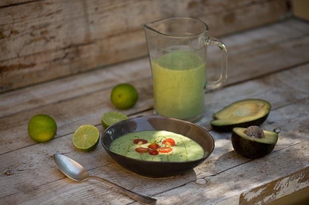 kalte avocado gurkensuppe wellcuisine. Black Bedroom Furniture Sets. Home Design Ideas